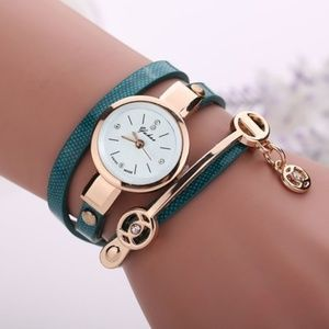 New Outtop Women Metal Strap Watch